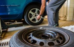 Pneumatici sgonfi: 4 auto su 10 sono a rischio per Michelin