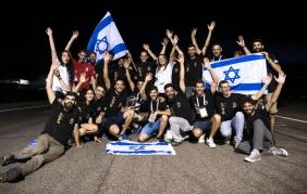 """Ad un gruppo di studenti israeliani  il premio """"DRiV The Future"""""""