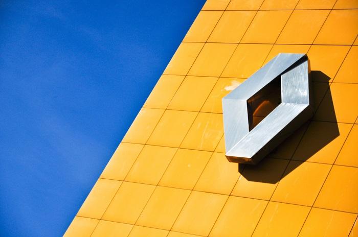 Renault assume 399 collaboratori con contratti a tempo indeterminato