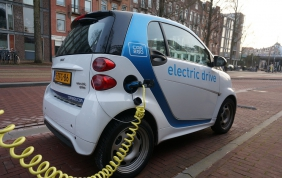 Ricambisti ed auto elettrica: meglio un brand o un bazar?