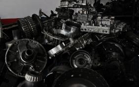 Rifiuti aftermarket, la risposta green di Daimler