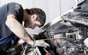 Preventivare la riparazione con il dongle di Hella