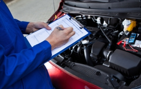 Più cara la spesa per la manutenzione auto