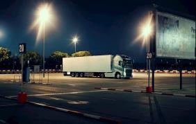 Nuove batterie Volvo: così il camion parte sùbito
