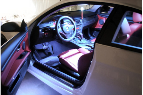 Plafoniere Per Auto : Come sostituire la luce plafoniera dell auto