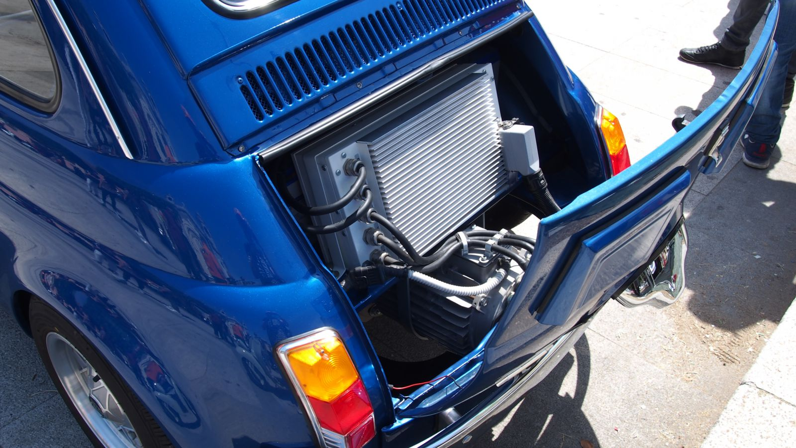 Retrofit elettrico converte le auto e d lavoro alle officine for Kit per posto auto coperto
