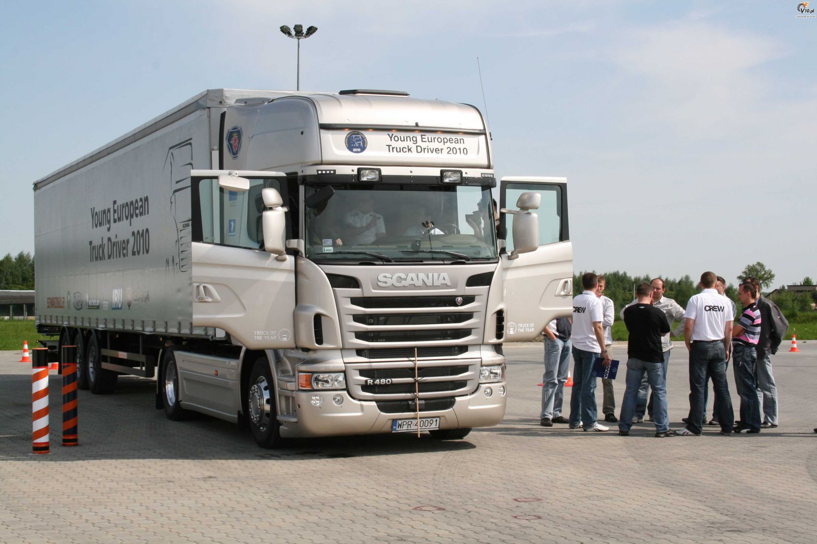 how to become a truck driver in europe