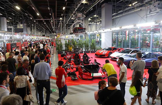 Ferrari, in 24mila al family day