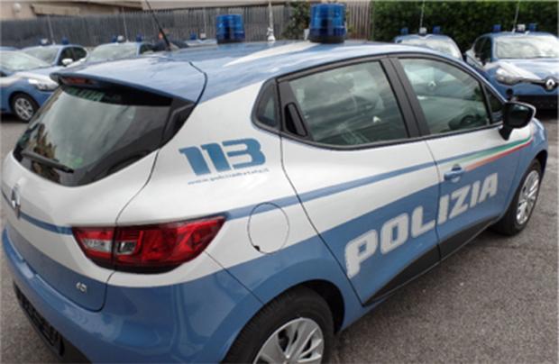 Una flotta di Clio per la Polizia di Stato