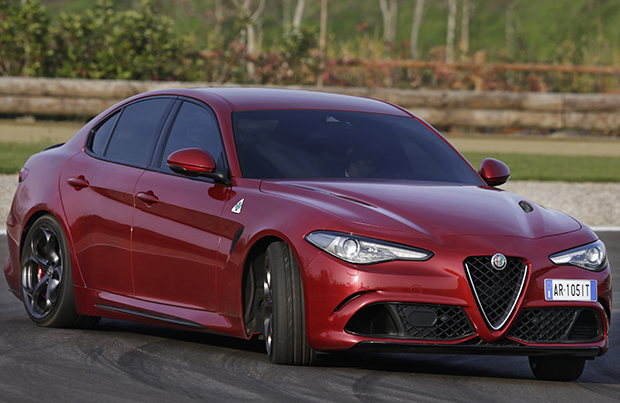 Alfa Romeo Giulia Veloce: debutto parigino